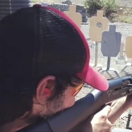 Keanu Reeves übt für John Wick 2