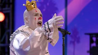Dieser riesige Clown rockt gerade die USA